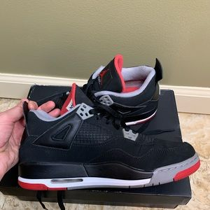 Jordan Sneakers (Air Jordan 4 Retro)
